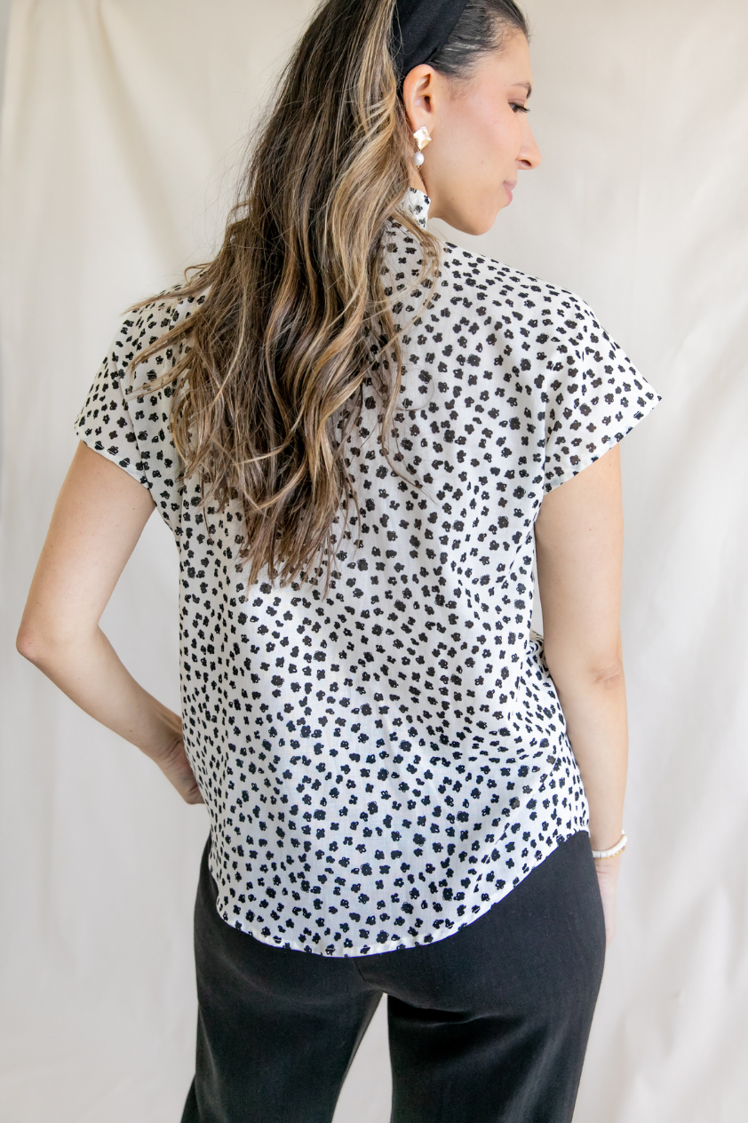 Sofia Black & White Triangle Ruffle Collar Short Sleeve Button Up Top
