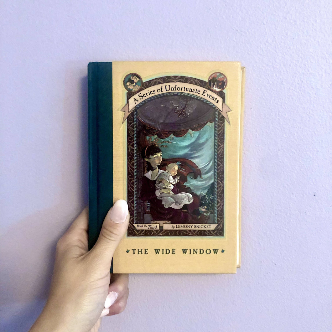 A Series of Unfortunate Events: The Wide Window by Lemony Snicket