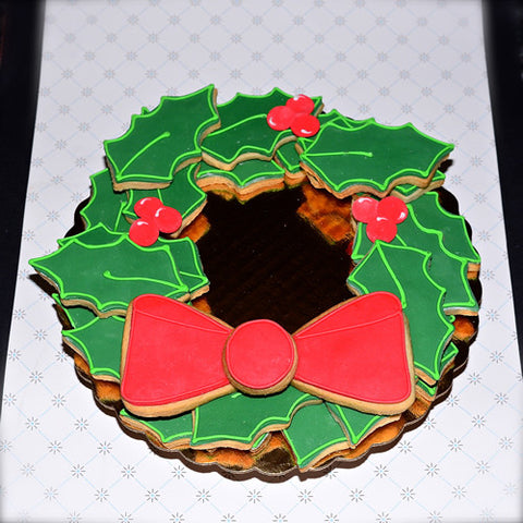 "Holly Leaf ""Wreath"" Platter"