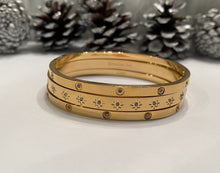 Load image into Gallery viewer, Gold Diamond Bangle Bracelet