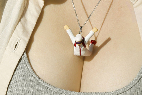 Cleavage Diving Necklace - Sky Diver
