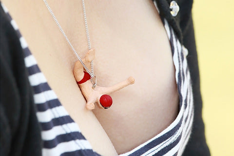 Cleavage Diving Necklace - High Diver