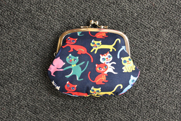 Retro Cat Clip Purse