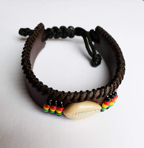Adimu II- Adjustable Brown leather Bracelet with Beads with Shell