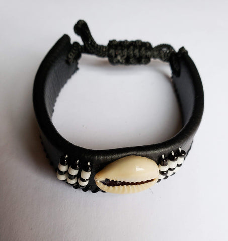 Adimu - Adjustable Black leather Bracelet with Beads with Shell