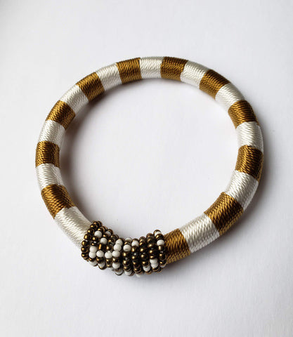 Issa - Small White/Black and Gold Bead andThread Bracelet