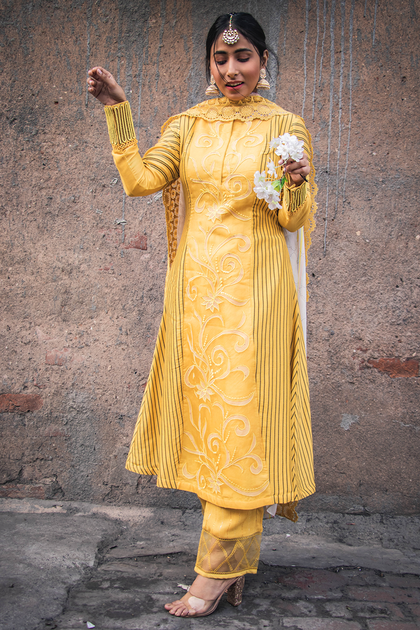 Kurta Set with Embroidery and Digital printing - Yellow - upasanagupta