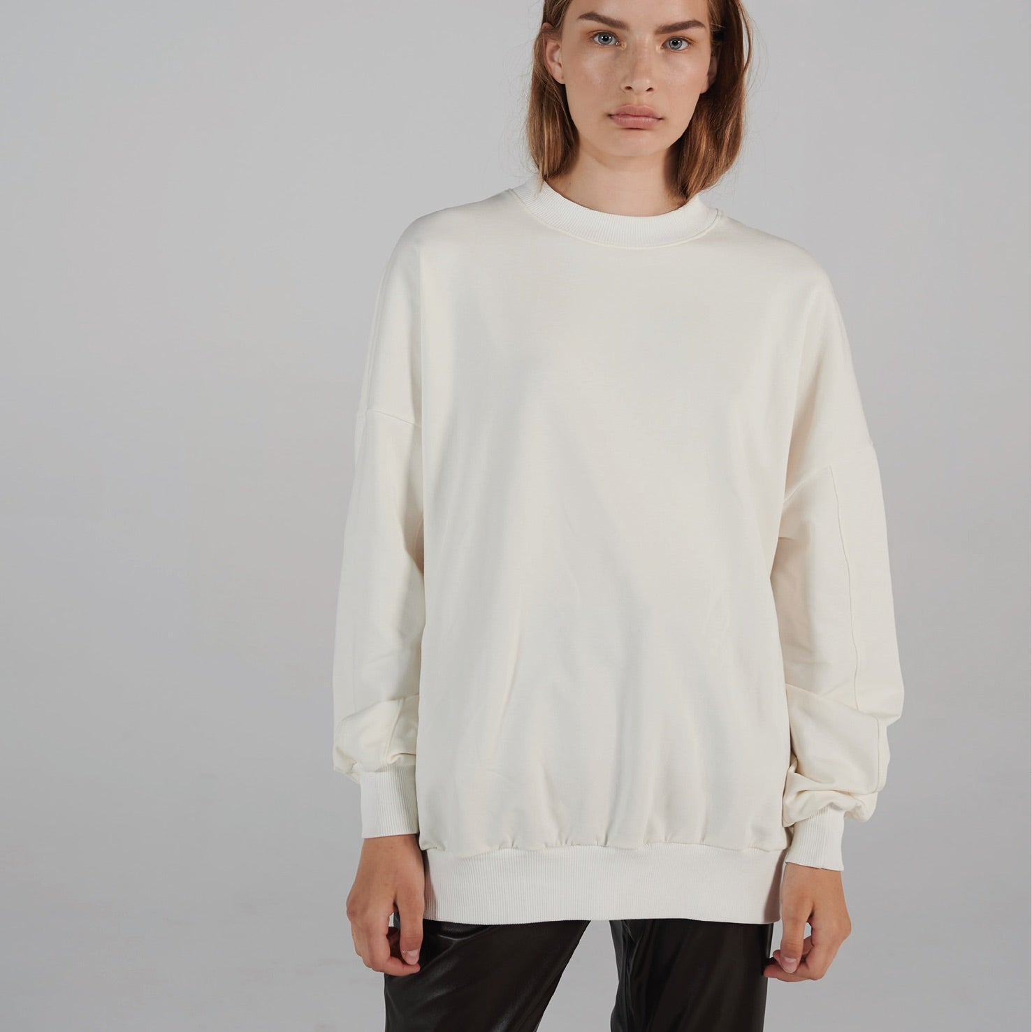 Oversized Sweater White | LIFETIME collection