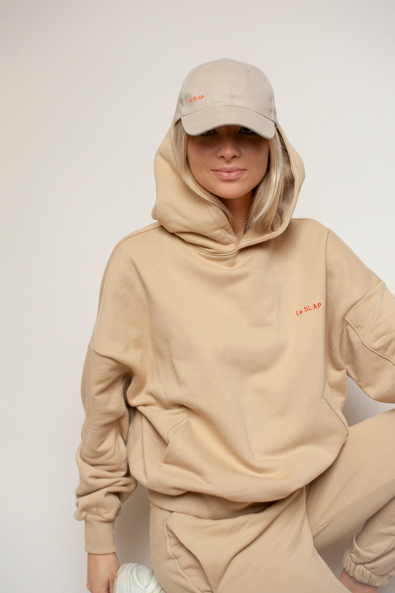 Hoodie Nude | UNIFORM collection