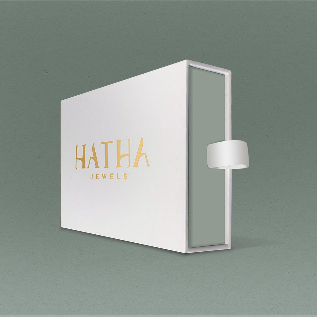 In the image the Hatha Jewels gif box to show how the jewels are boxed.