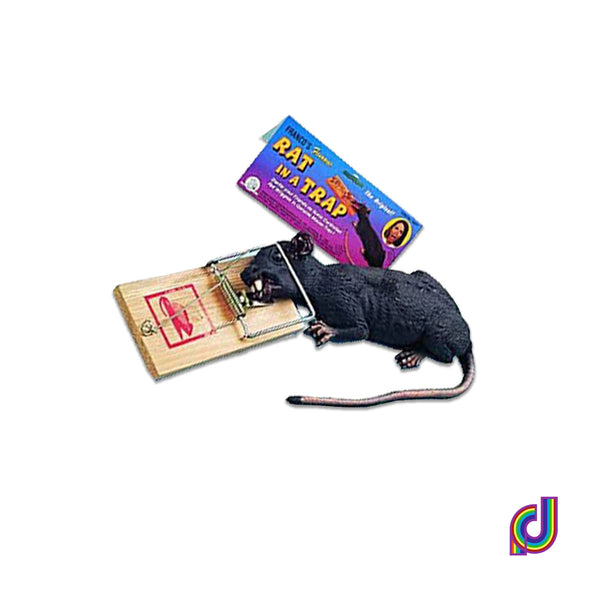 Fake rat in a trap looks like real rat