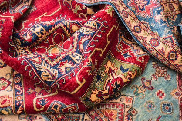 Looking to Buy an Authentic Persian Rug? Read these 4 Tips First