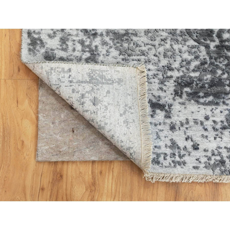 "Shrugs Transitional 4'1""x6' Gray Erased Persian Design Wool and Pure Silk Hand Knotted Oriental Rug"