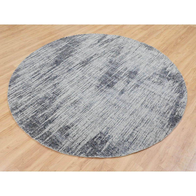 "Shrugs Modern and Contemporary 7'7""x7'7"" Gray Fine jacquard Hand Loomed Modern Wool and Art Silk Round Oriental Rug"