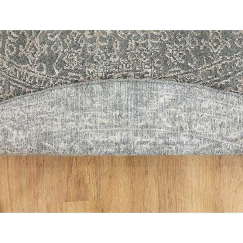 Shrugs Modern and Contemporary 8'x8' Gray Fine jacquard Hand Loomed Modern Wool and Art Silk Oriental Rug