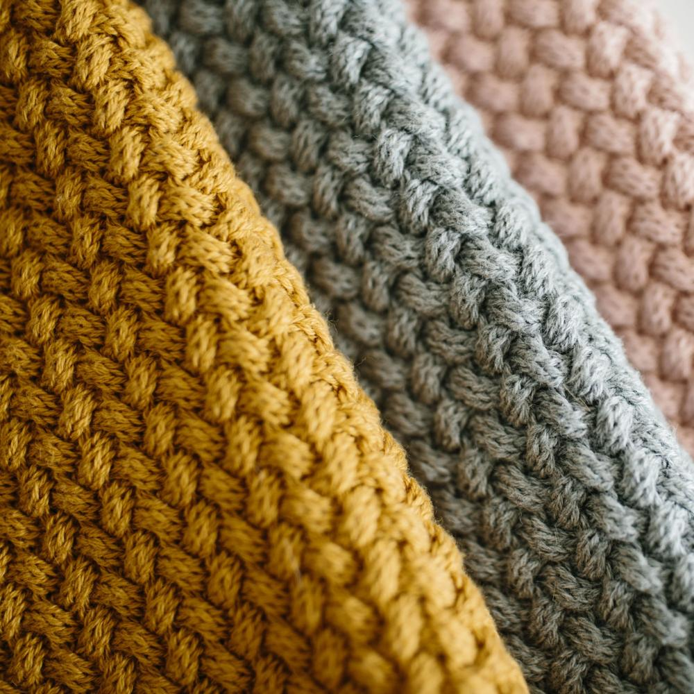 Load image into Gallery viewer, Knitted Blanket-Mustard