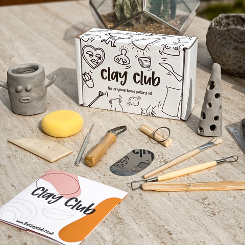 Clay Club - Home Pottery Kit For 1-2 People + Acrylic Paint Set