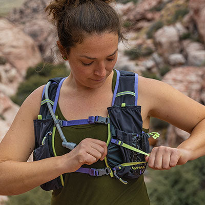 Nathan Womens NS4527 VaporAiress Hydration Pack Running Vest with 2L Bladder Cockatoo XX-Small
