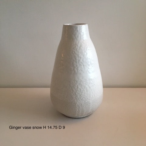 Ginger Vase Snow