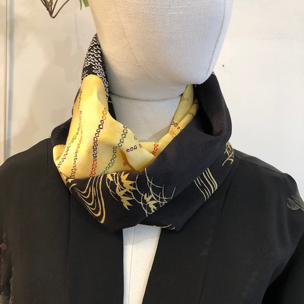 Snood gold and black shibori