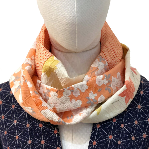 Snood (orange pale, crème)