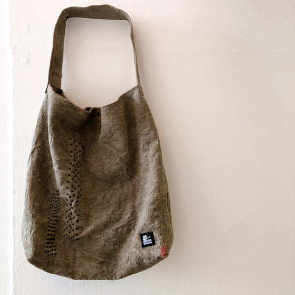 Natural dyed bag onion