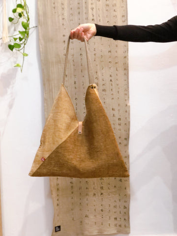 Sankaku Bag with Natural dye (kakishibu &onion )