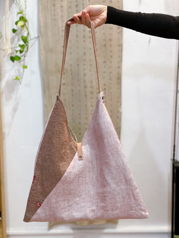 Sankaku Bag with Natural dye (avocado & garance)