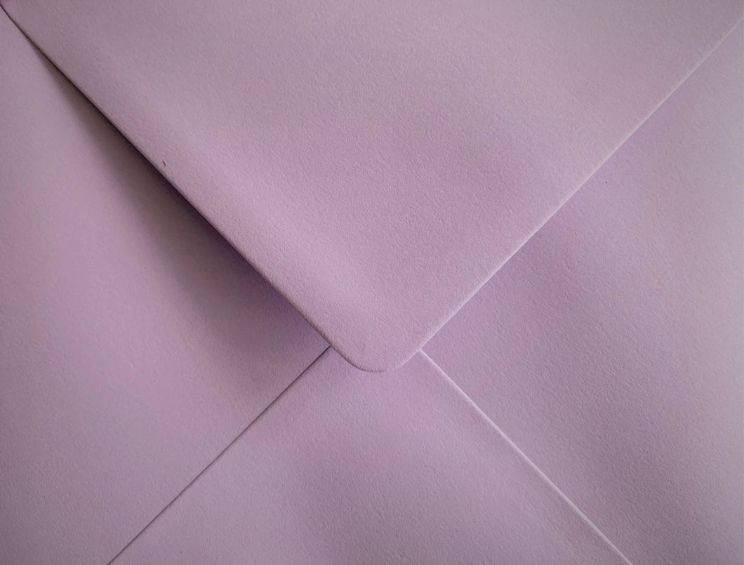C6 Pastel Lilac Envelopes Gummed Diamond Flap 100gsm