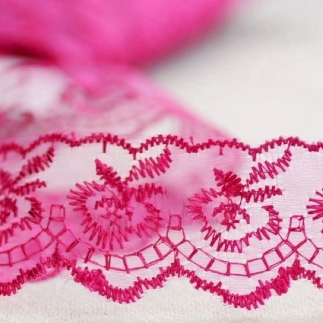 Cerise Pink Lace Vintage Scalloped Edge Trimming 45mm Width