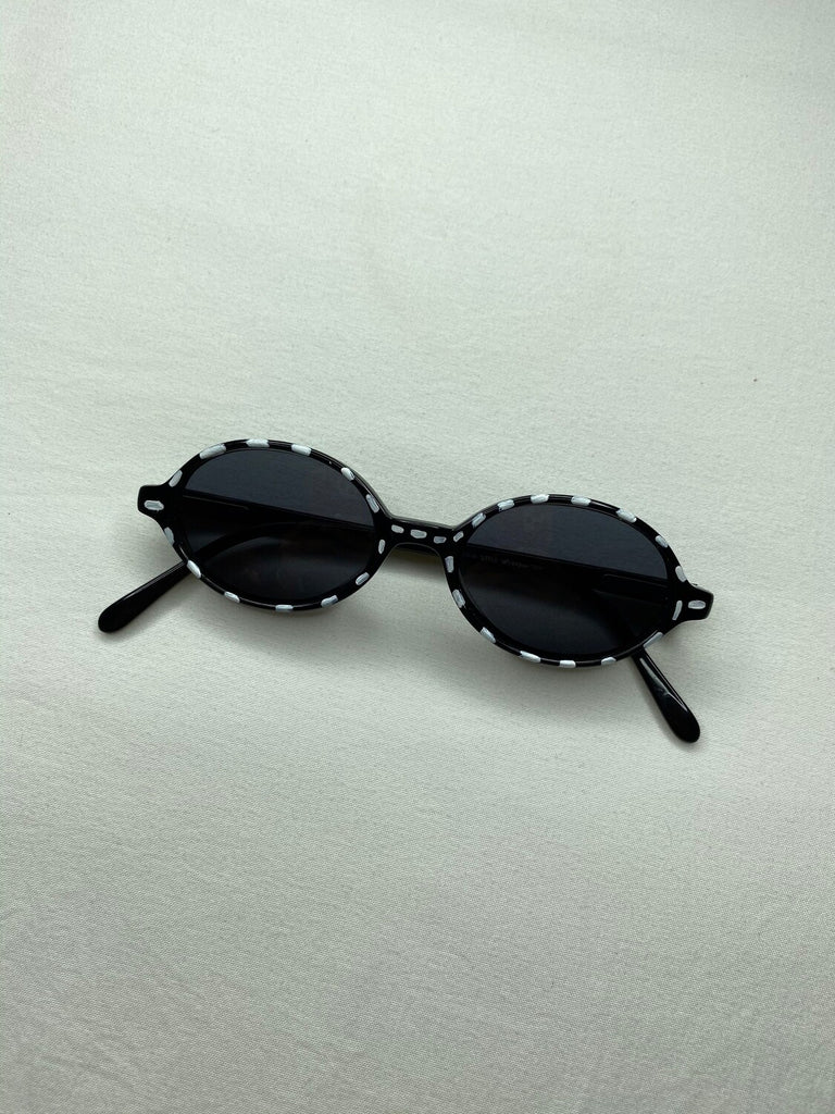 "THE ""STITCH LENS"" SUNNIES"