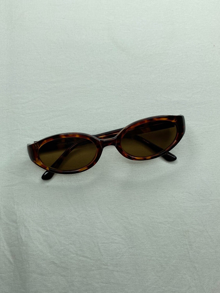 "THE ""FARANDULERA"" SUNNIES"