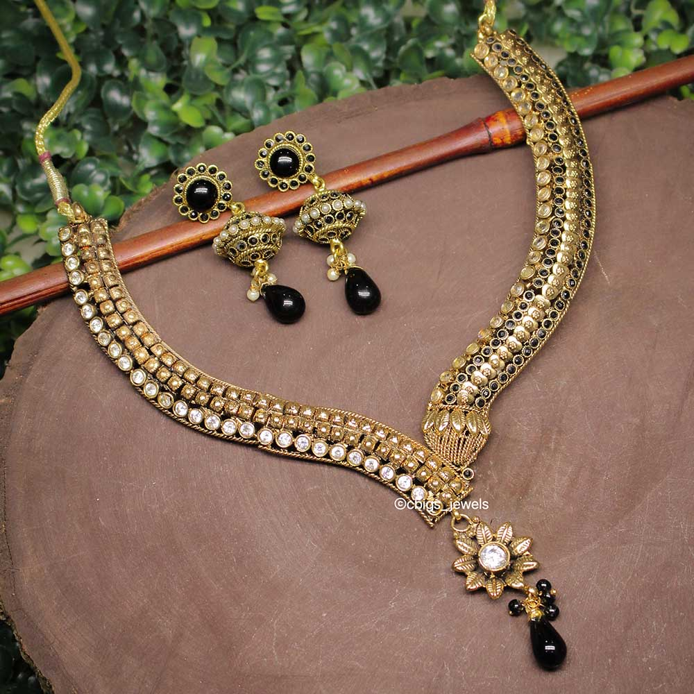 Antique Finish Black Kundan Necklace