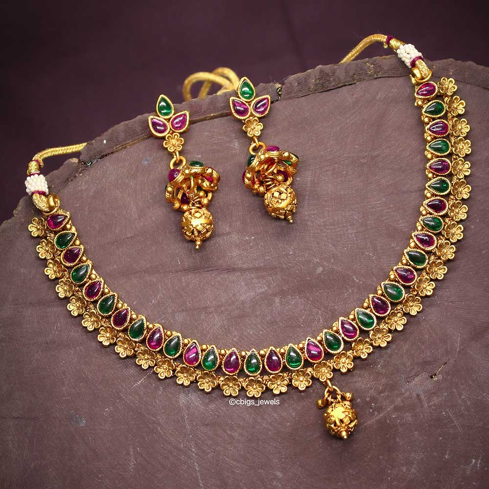 Simple Multicolor Antique Neckalce