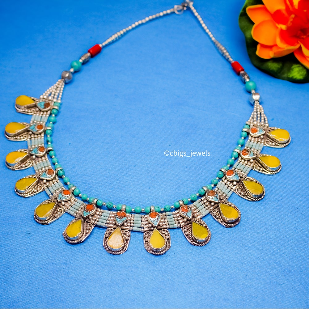 Attractive Tibetan Necklace with Agate stones.