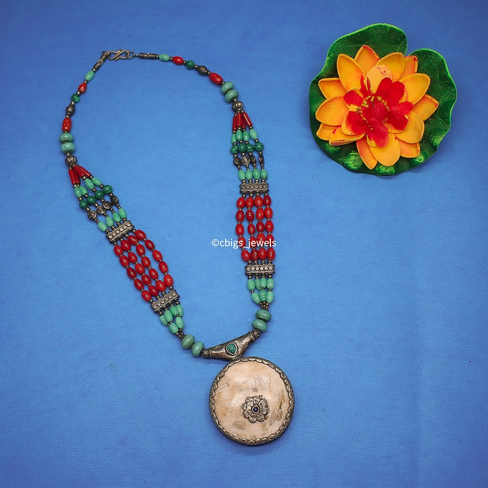 Elegant Tibetan Necklace with pendant