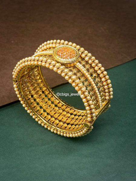 Antique Finish Pearl Kada