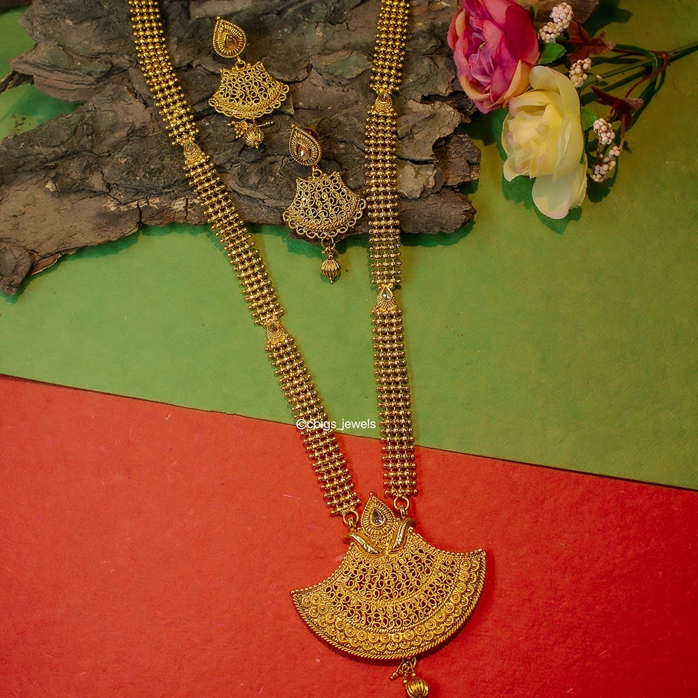Antique Gold haram with Polki Stones