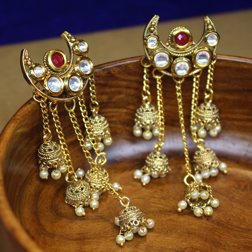 Distinct Kundan Earrings