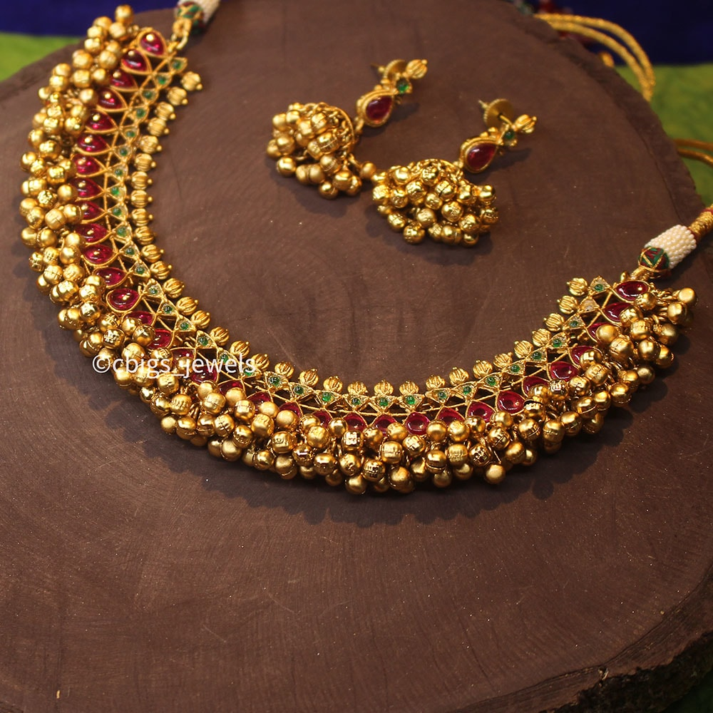 Multicolor Antique Gold Finish Necklace