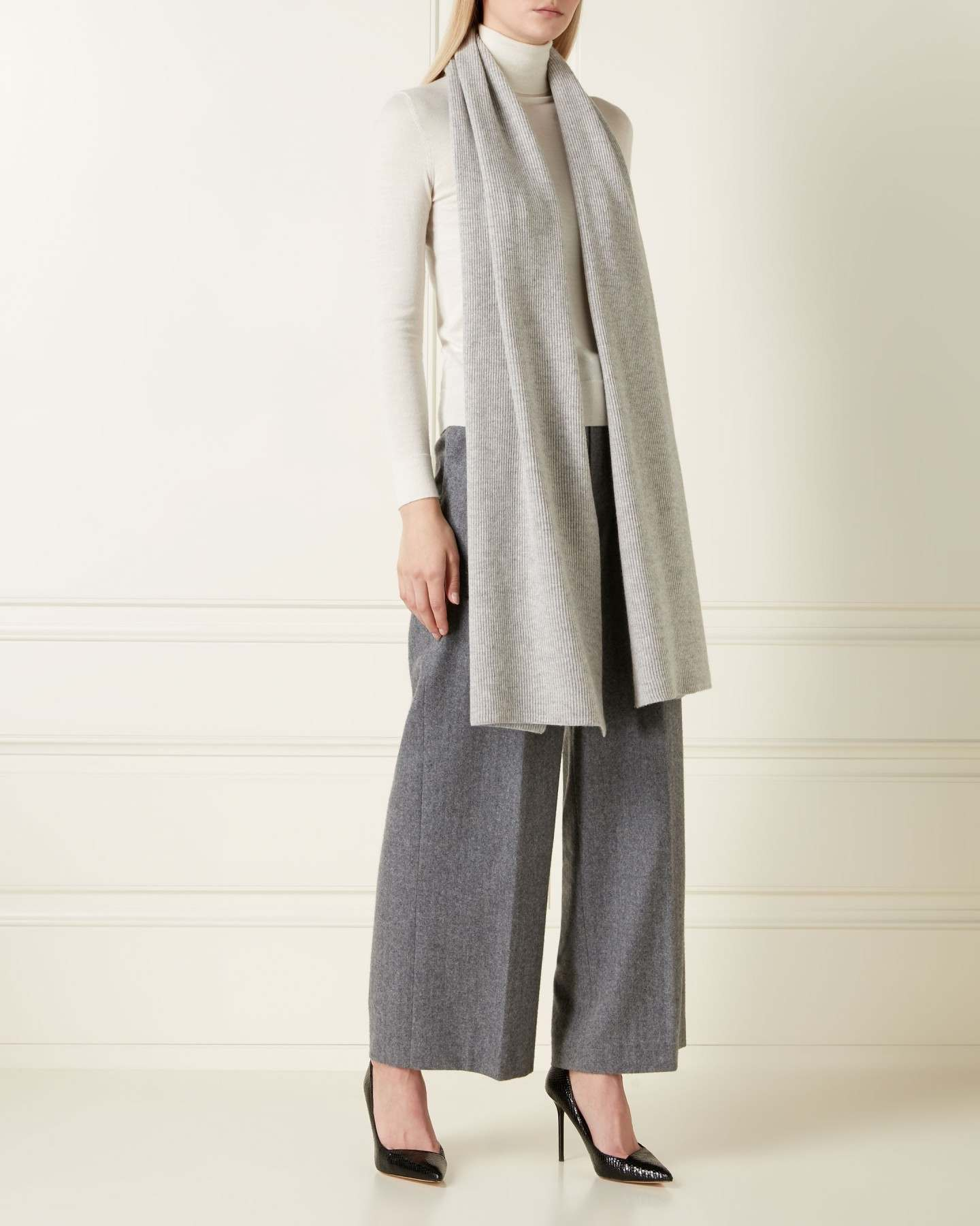 Ribbed Wide Cashmere Scarf Fumo Grey 2