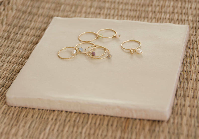 Small stone ring lila