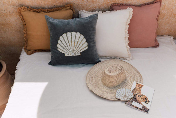 Cushion cover with fringes cream