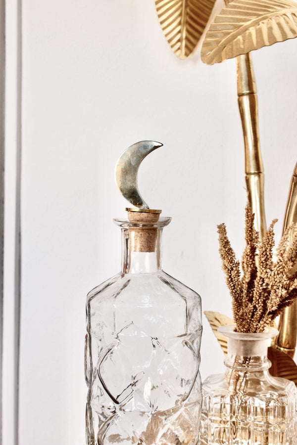 Moon bottle stopper