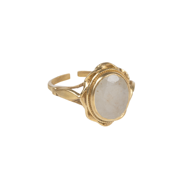 "PRE-ORDER: ""Vintage gold"" oval ring White Quartz"