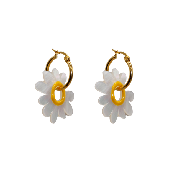 Big daisy pair of earrings
