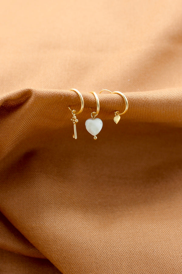 Classic key pair of earrings