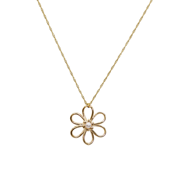 Big flower with freshwater pearl necklace