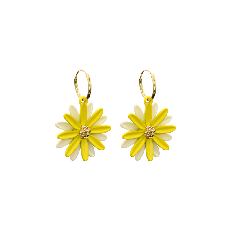 Daisy pair of earrings yellow