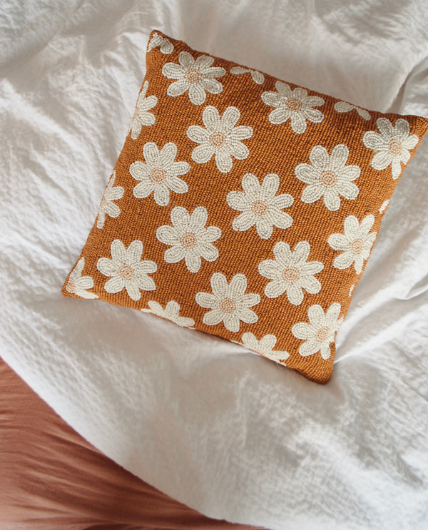 Beads cushion daisies terra